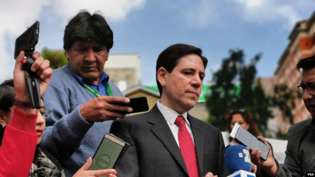 Salvador Romero, presidente del Tribunal Supremo Electoral de Bolivia, habla con la prensa, en La Paz, el martes 7 de enero de 2020/ Yuvinka Gozalvez Avilés / VOA