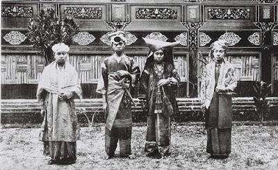 Gambar Pakaian Suku Minangkabau Tempo Dulu