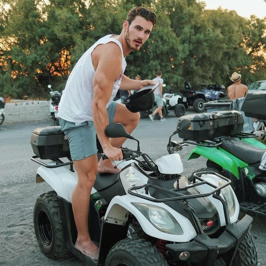 handsome-model-michael-yerger-christ-look-driving-huge-arm-strong-triceps