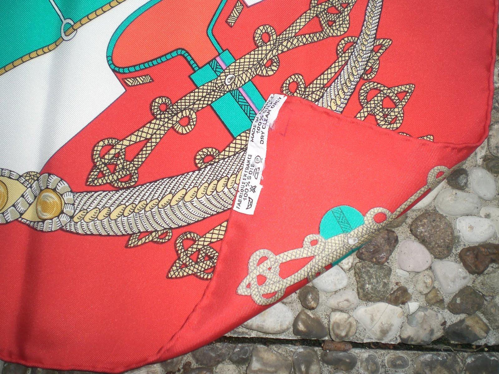 d8c5382ff70 LE IMITAZIONI - foulard - Non Si Dice Piacere - Modi e Moda