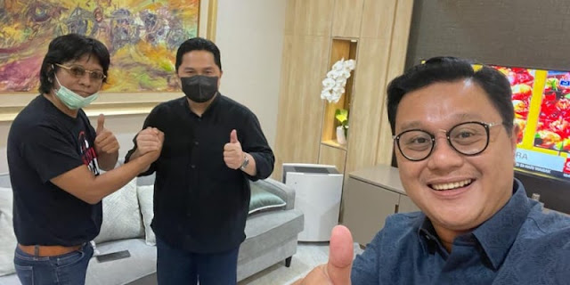 Beredar Foto Jabat Tangan Dengan Erick Thohir, Begini Penjelasan Adian Napitupulu
