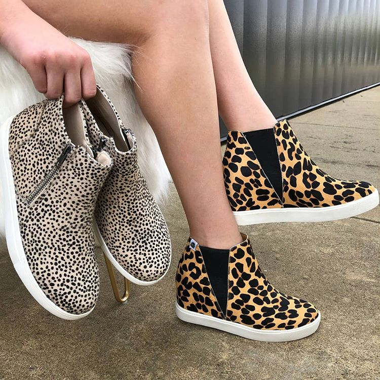 Trend Alert! Fall 2019 Trend: Sneaker Wedges :: Effortlessly with Roxy