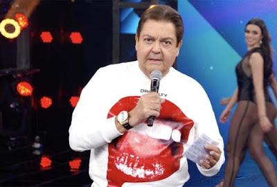Faustão usa moletom de R$ 2,8 mil em programa