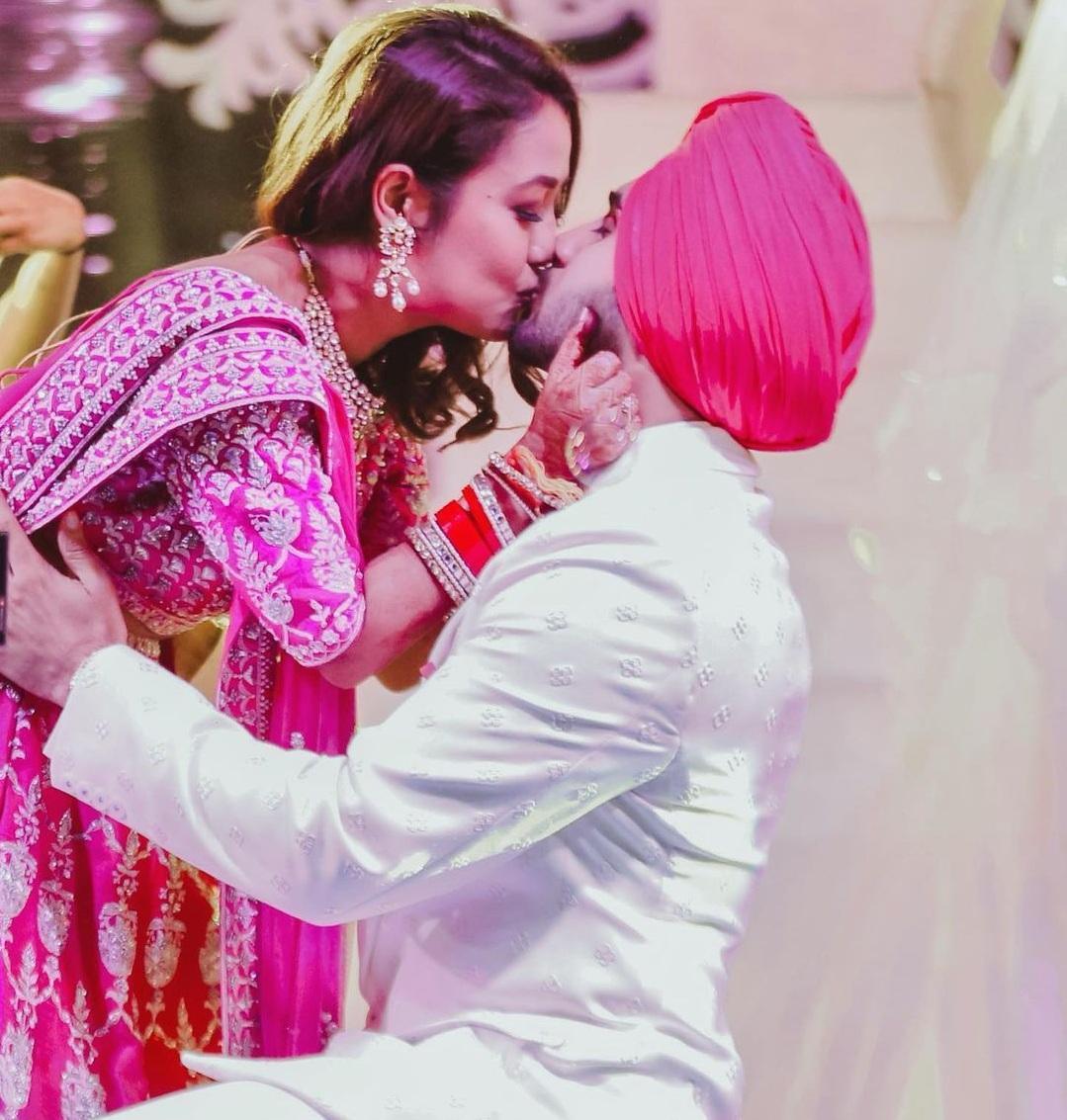 नेहा कक्कड़ ने शेयर की संगीत सेरेमनी की तस्वीरें