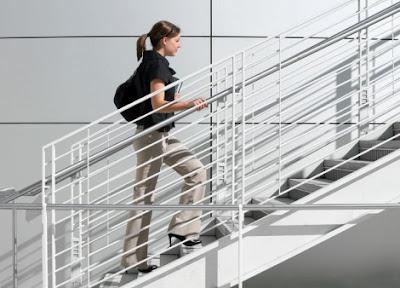 Đi bộ như thế nào để giảm mỡ bụng cho dân văn phòng