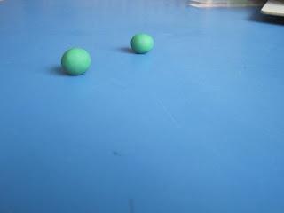modeling clay spheres