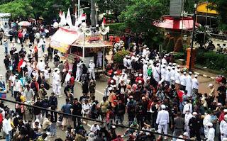 Orator Aksi 1310 Teriak: Tidak Ada Pilihan Kecuali Kami Meminta Jokowi Mundur!