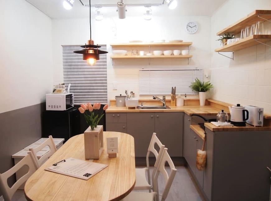 Ilham Dekorasi Ruang Dapur Kecil Yang Sempit