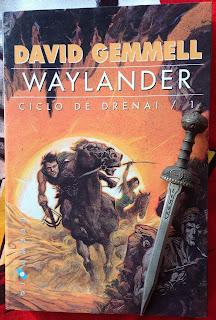 Portada del libro Waylander, de David Gemmell