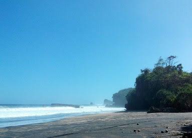 pantai kondang iwak malang selatan Pantai di Jawa Timur yang Belum Terjamah