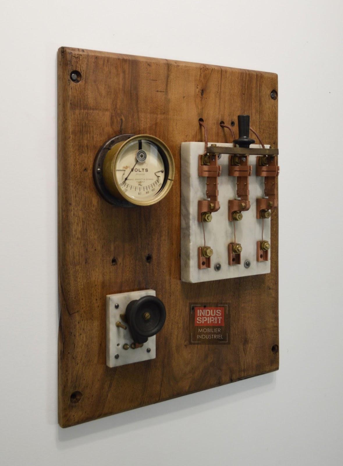 Ancien tableau lectrique industriel for Tableau deco industriel