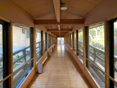 大浴場へ渡る廊下