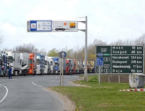 NAV: gyorsulhat a teherforgalom is a határon