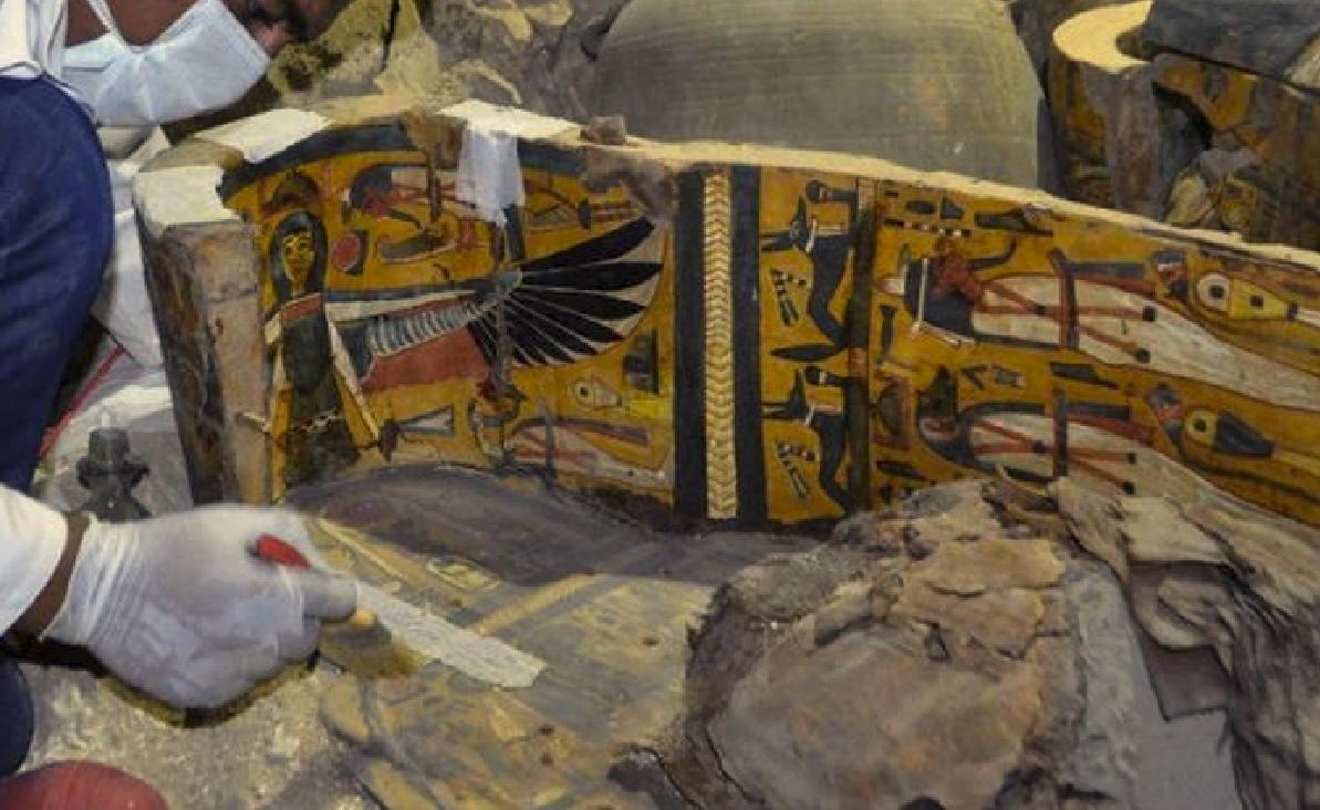 Συγκλονιστική ανακάλυψη στην Αίγυπτο – Στο «φως» έξι μούμιες