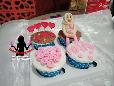 Ungkapkan Perhatianmu pada Mama Dengan Cupcake Karakter 3d di Ultahnya