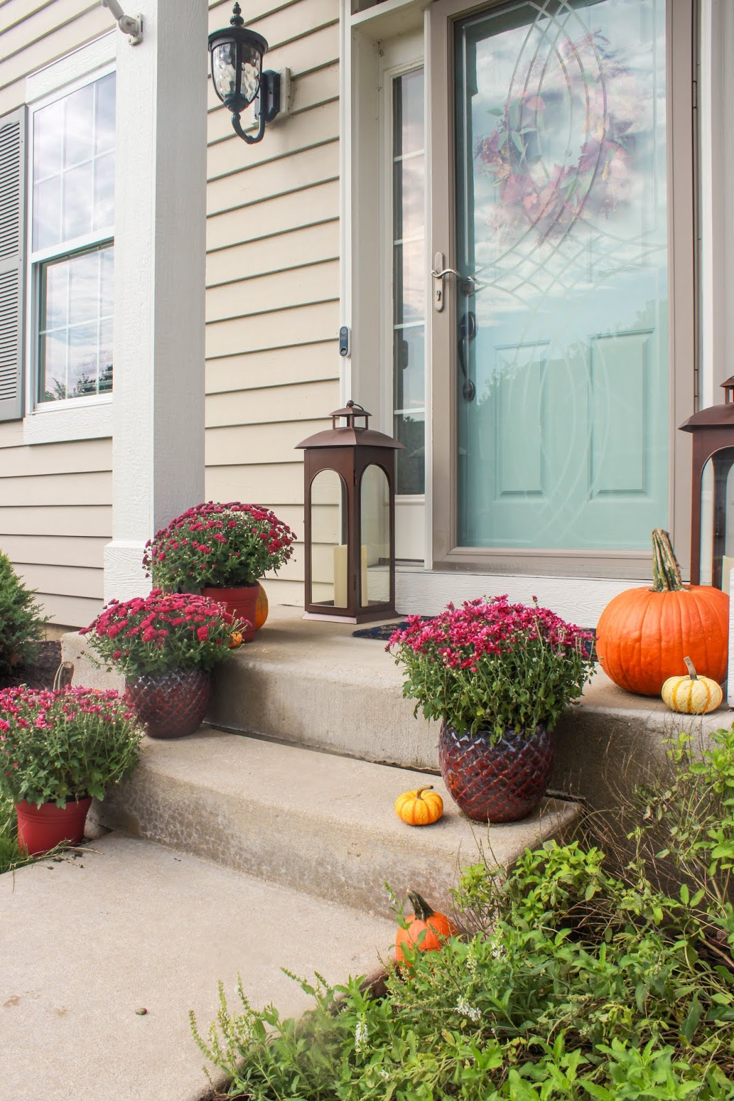 mums and pumpkin porch ideas