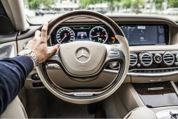 تفسير حلم قيادة السيارة،ماذا يعني؟