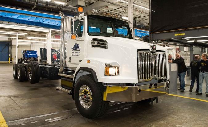 Western Star celebra a produção de 200.000 caminhões