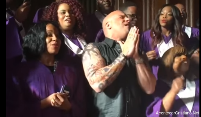 Vin Diesel cantando junto a coro gospel