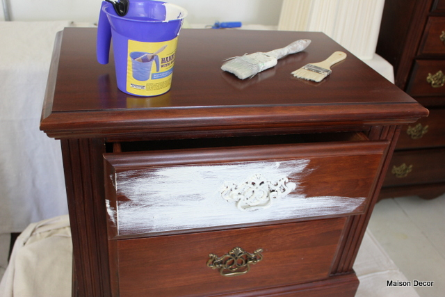 Maison Decor How To Shabby Chic Your Dark Furniture