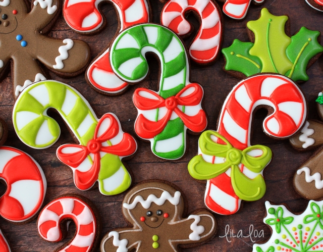 How to Make a Decorated Candy Cane With Bow Sugar Cookie