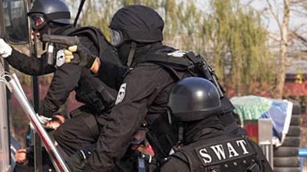 China Guna Khidmat Pasukan SWAT Atasi Masalah Pelajar Meniru