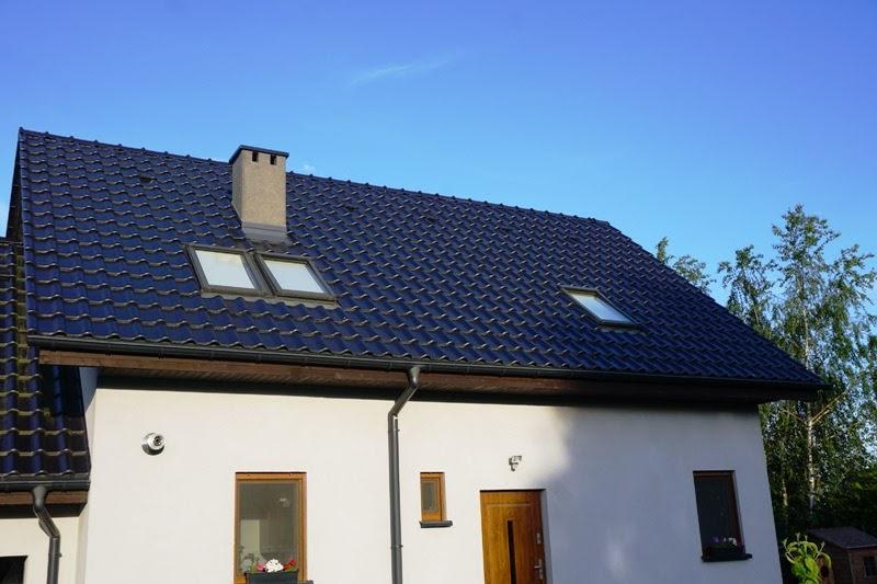 okna dachowe, okna połaciowe w domu jednorodzinnym na poddaszu