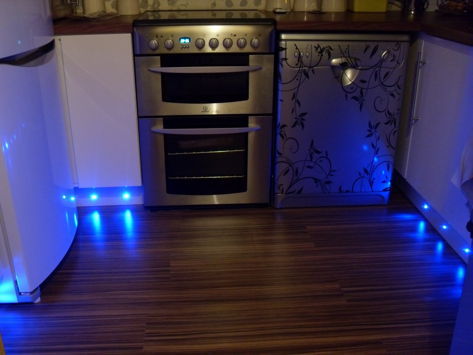 My Projects  Diy Cheap Plinth  Kickboard Lighting