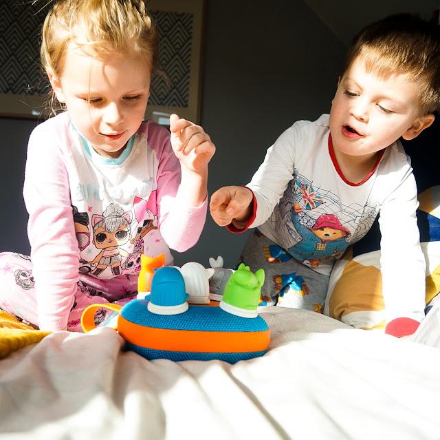 jooki music player review, kids listening to music,