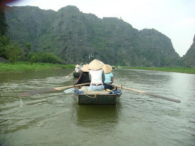 Boat trip in Tam Coc, Ninh Binh