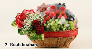 Buah-buahan merupakan rekomendasi isian hampers lebaran yang menarik dan bermanfaat