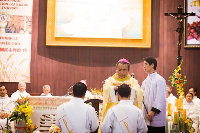 Lễ truyền chức Phó tế và Linh mục tại Giáo phận Lạng Sơn Cao Bằng 27.12.2017 - Ảnh minh hoạ 163