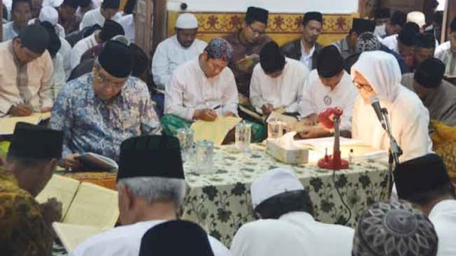 10 Adab Murid terhadap Guru Menurut Imam al-Ghazali