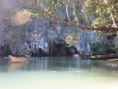 Entrada al río subterráneo, en Sabang, cerca de Puerto Princesa