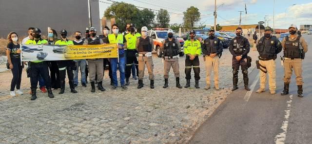 PRF, CPTRAN, SAMU, GCM e CHRDJC abrem a Semana Nacional de Trânsito em Patos