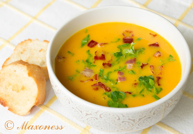 Суп-пюре из корнеплодов с хрустящим беконом и петрушкой. Скандинавская кухня
