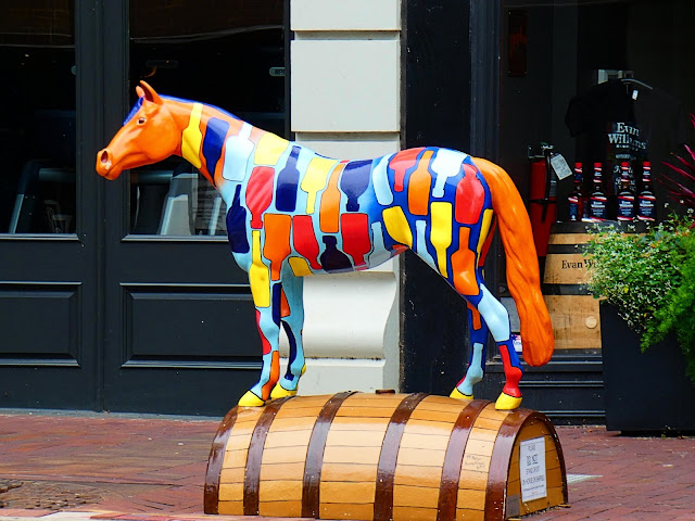 Louisville KY | Horses of the Sidewalk Derby | Sincerely Loree | Lifestyle blog