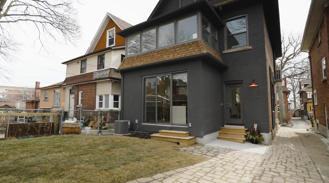35 Interior Design Photos vs. 6 Burlington Cres, Toronto, ON Home Tour