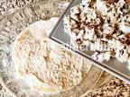 preparare reteta salata ruseasca - asezam un strat de peste marinat maruntit