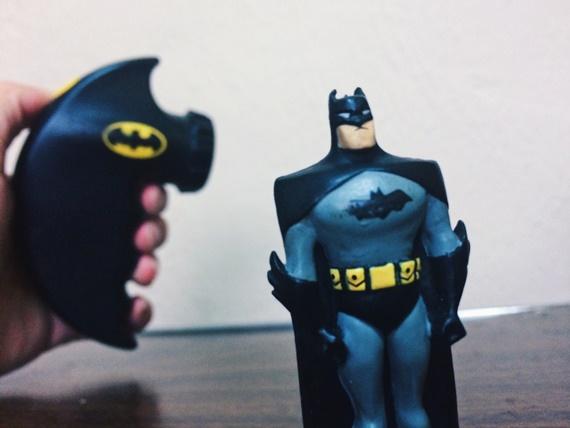 brinquedo boneco batman ovo