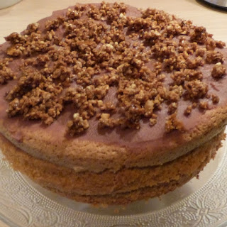 https://danslacuisinedhilary.blogspot.com/2014/09/layer-cake-au-praline-praline-layer-cake.html