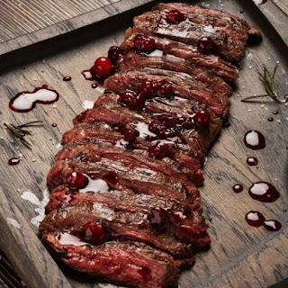 Carnicerías Argentinas ronda los 5 a 8 precio económico de ofertas en supermercado a 25 dólares el kilo en carnicerías premium.