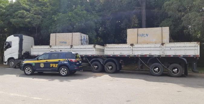 PRF flagra bitrem com mais de 29 toneladas de excesso de peso na BR-101/ES
