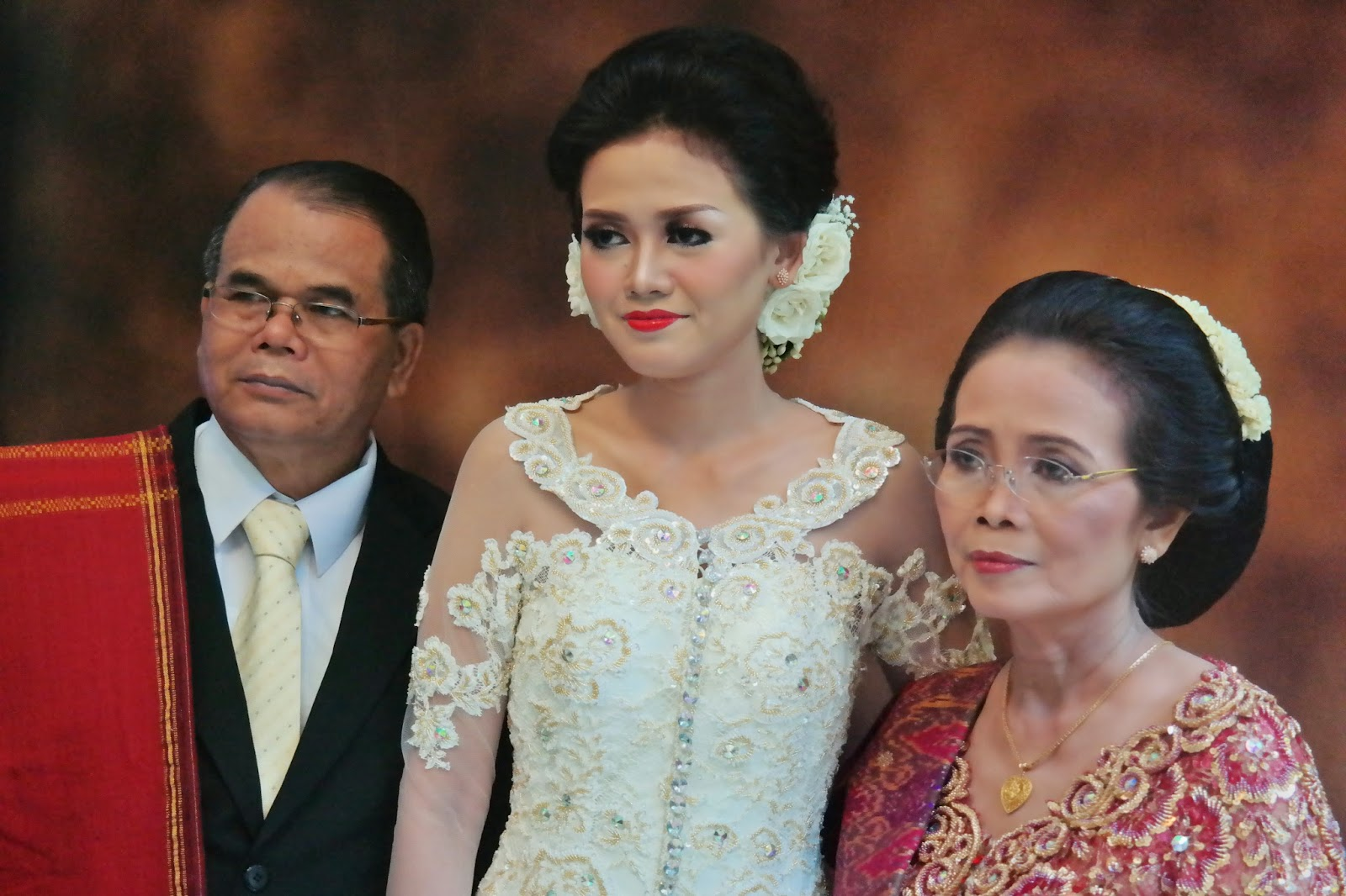 Vannesza Make Up Artist Bandung Pengantin Batak Modern Uli Victor