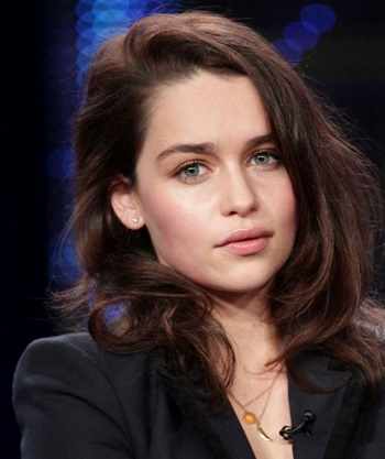 Emilia Clarke Biography, Height, Age, Net Worth, Affairs & boyfriend, Husband, Movies & TV shows & More