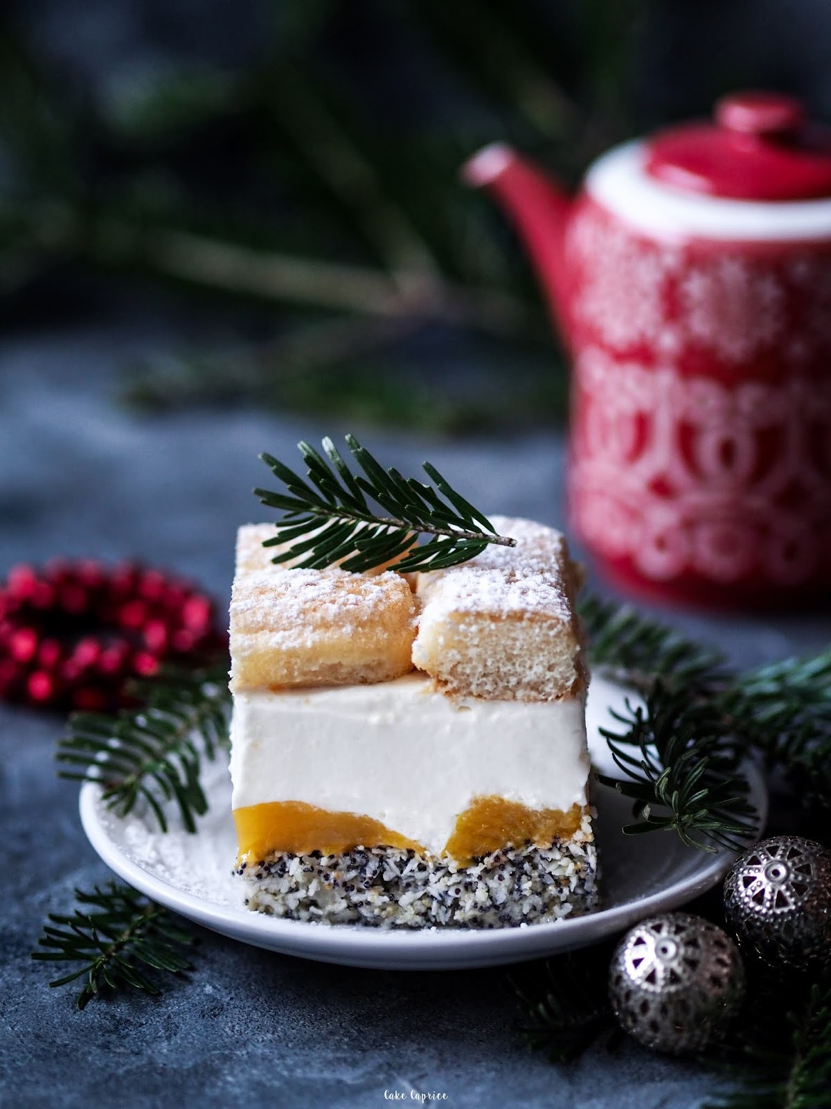 ciasto z makiem i brzoskwiniami