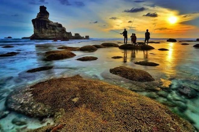 Daftar Pantai di Pacitan yang Rekomendasi Untuk Kamu Kunjungi