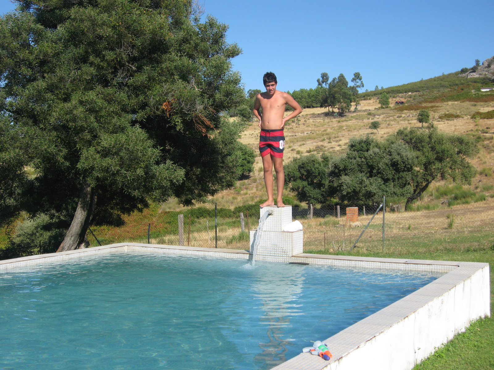 Alonso lozano mi blog en la piscina del campo fin de for Piscinas benavente