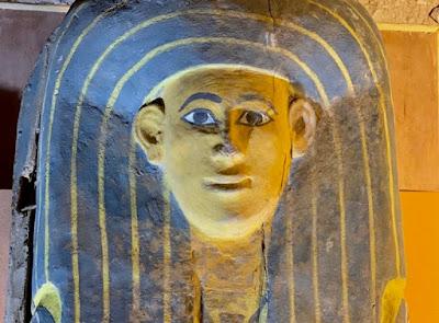 Αίγυπτος: Στο φως τρία αρχαία ξύλινα φέρετρα σε άριστη κατάσταση
