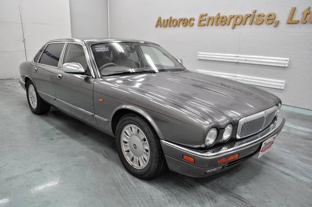 1995 jaguar daimler double six rhd for uganda to mombasa japanese vehicles to the world. Black Bedroom Furniture Sets. Home Design Ideas